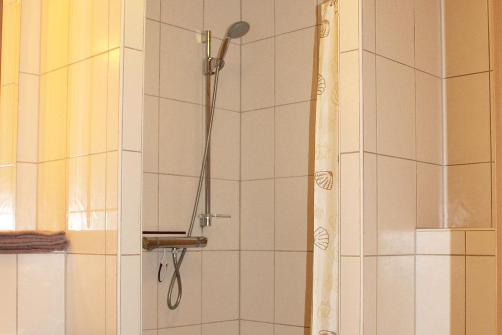 Bad im Doppelzimmer auf dem Gutshof Schulze Althoff